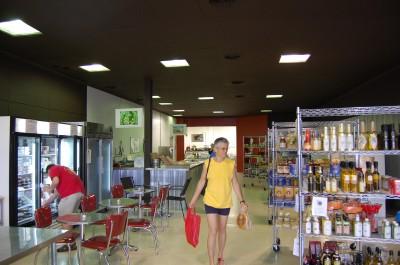 market-rhes-interior